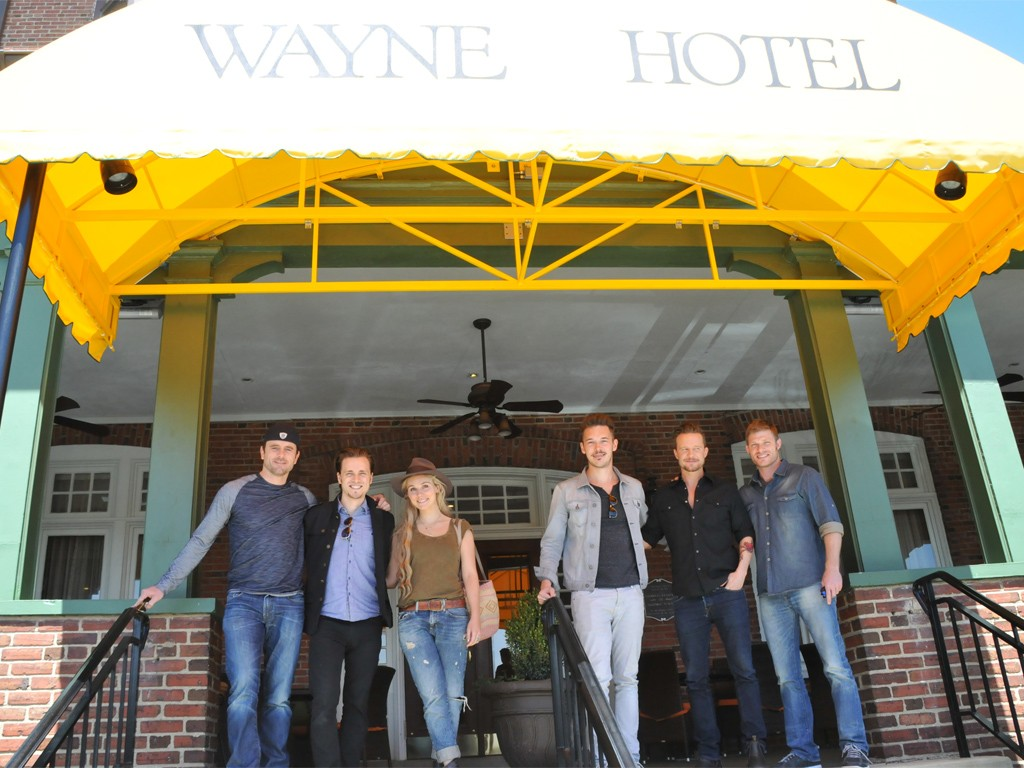The Cast of Nashville at Paramour